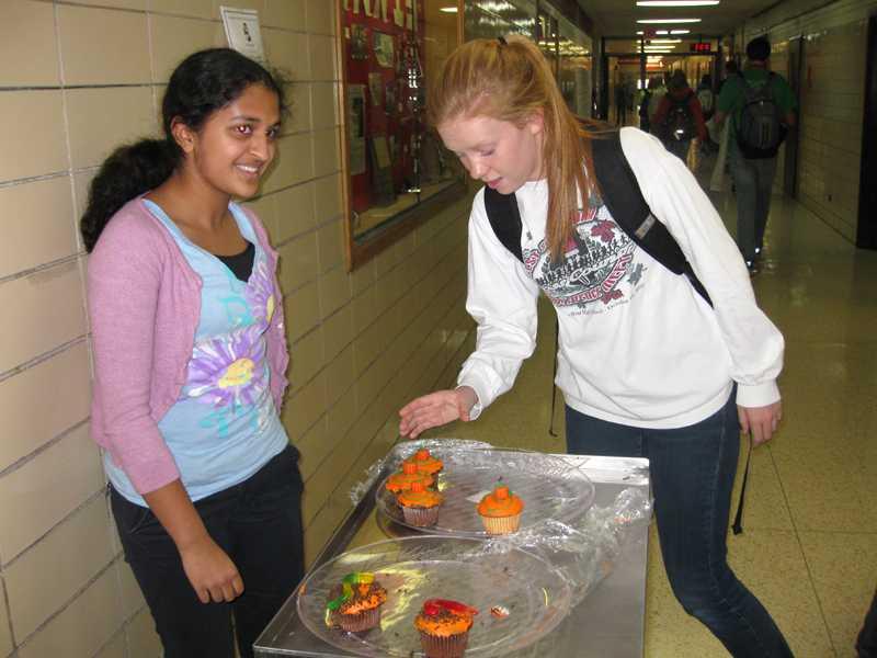FCCLA holds Halloween bake sale