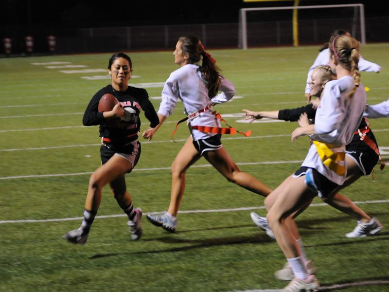 Powderpuff+plays+for+Susan+G.+Komen+foundation
