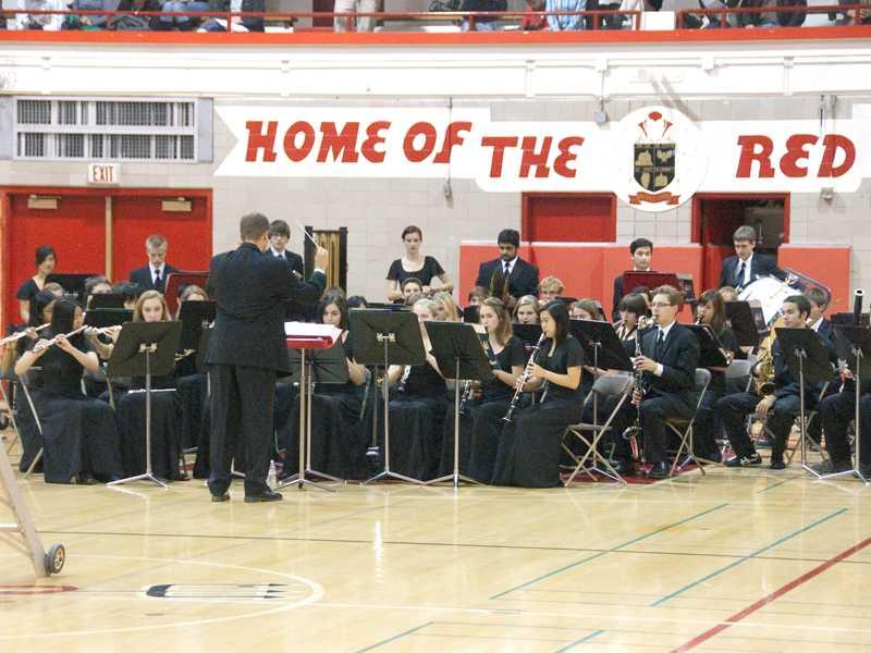 """Bandamonium"" concert shows middle schools the HC band program"