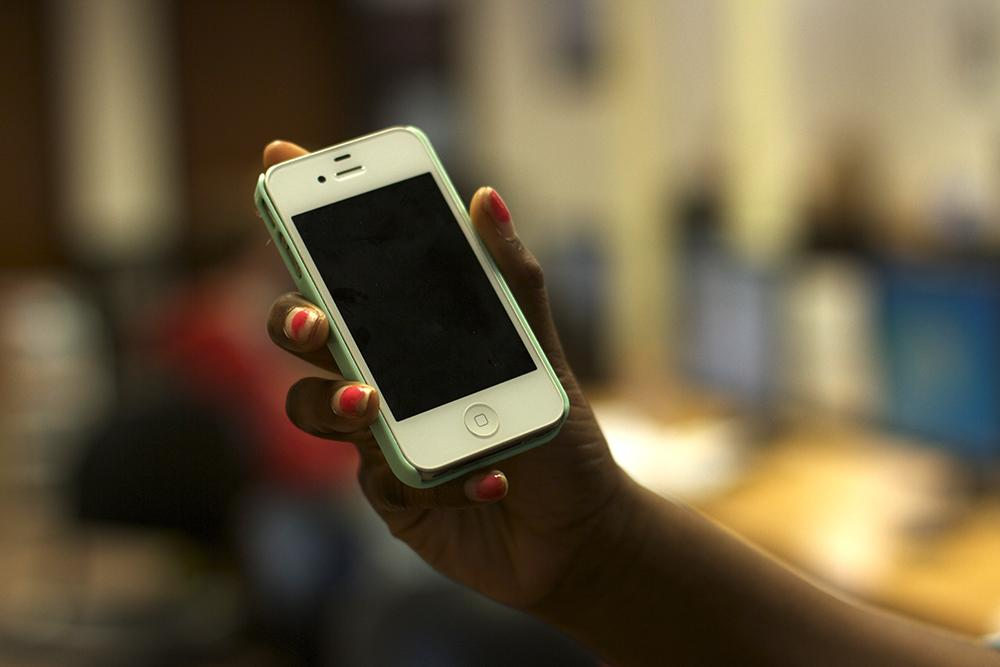 Students continue to abuse cell phone policy