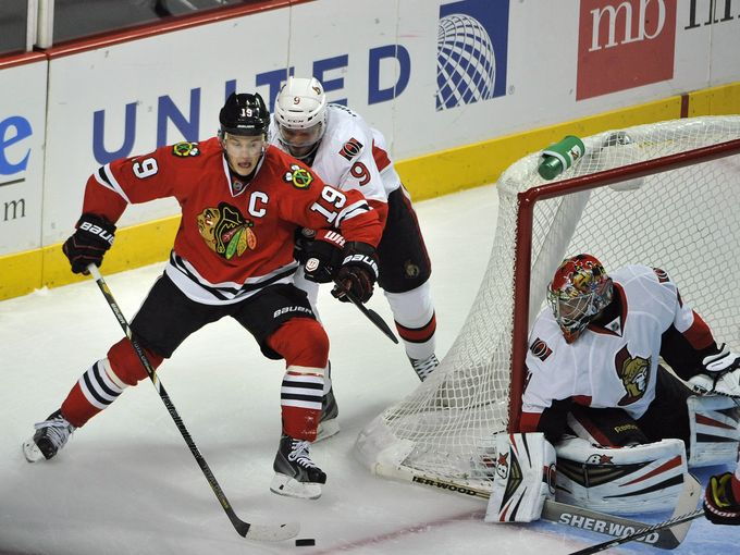 Toew's hat trick rockets Blackhawks past Senators