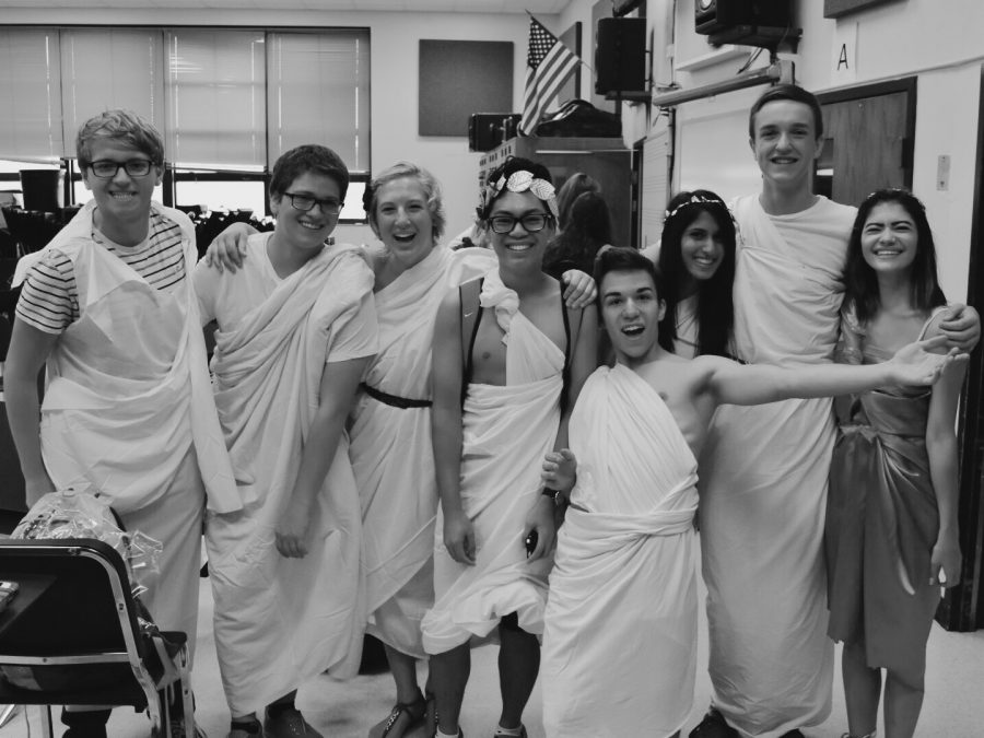 Seniors+in+band+sport+their+togas+during+school+before+the+game+on+Aug.+26.+