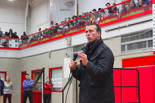 Chris+Herren+spoke+to+Central+students+about+substance+abuse+on+Feb.+24.