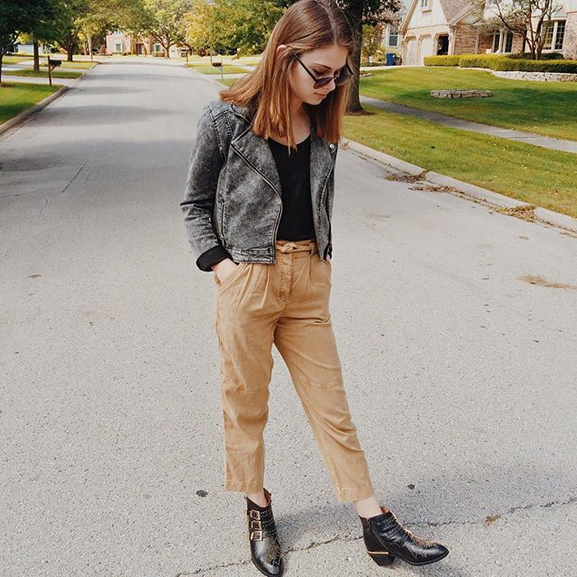 Beth Schaller models an  H&M and Aritzia outfit.  Schaller started her own fashion blog and interns at Nordstrom