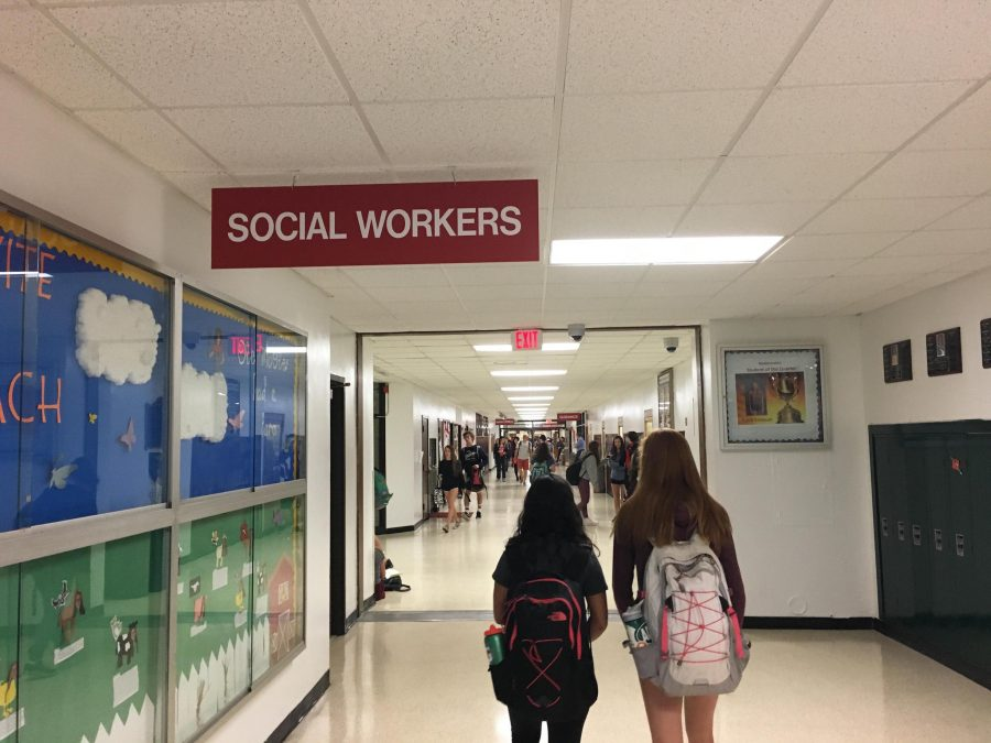 As+the+quarter+comes+to+an+end%2C+students+should+remember+that+social+workers+and+teachers+are+available+to+alleviate+stress.+