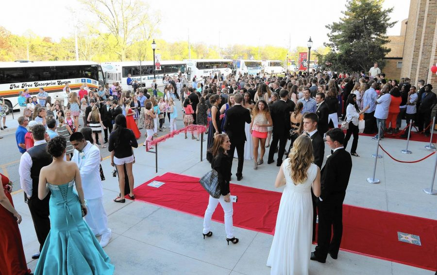 On April 30, 2016 central students posed with friends and family on the red carpet while dressed up.