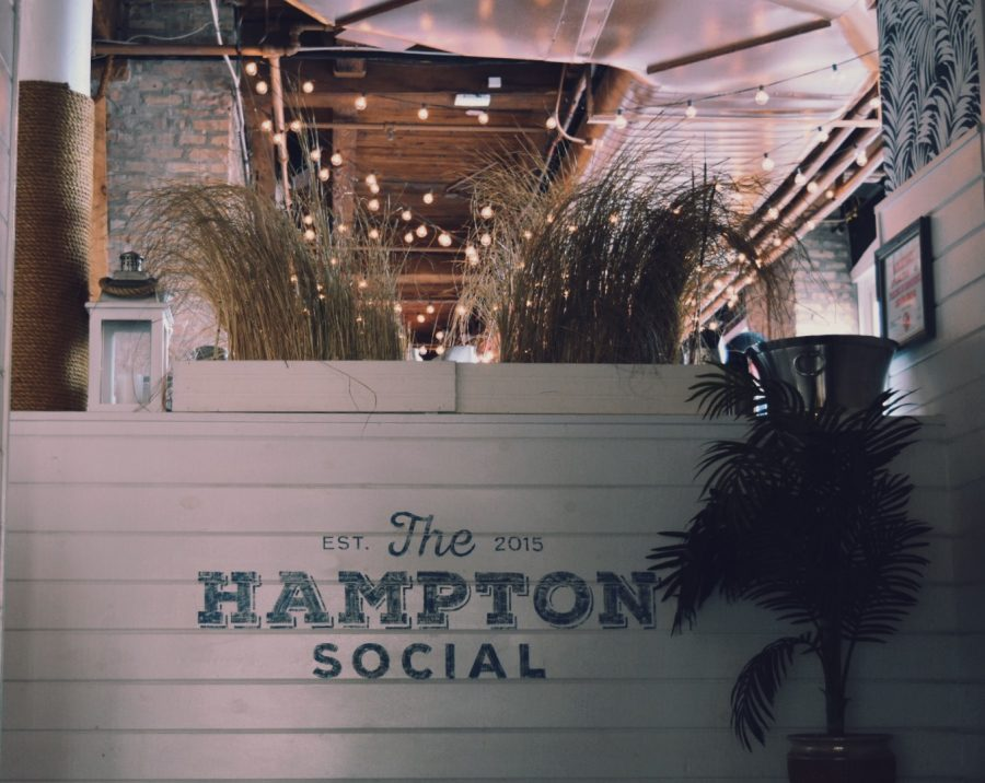 The+Hampton+Social+brings+the+best+of+the+East+Coast+to+the+Windy+City.+