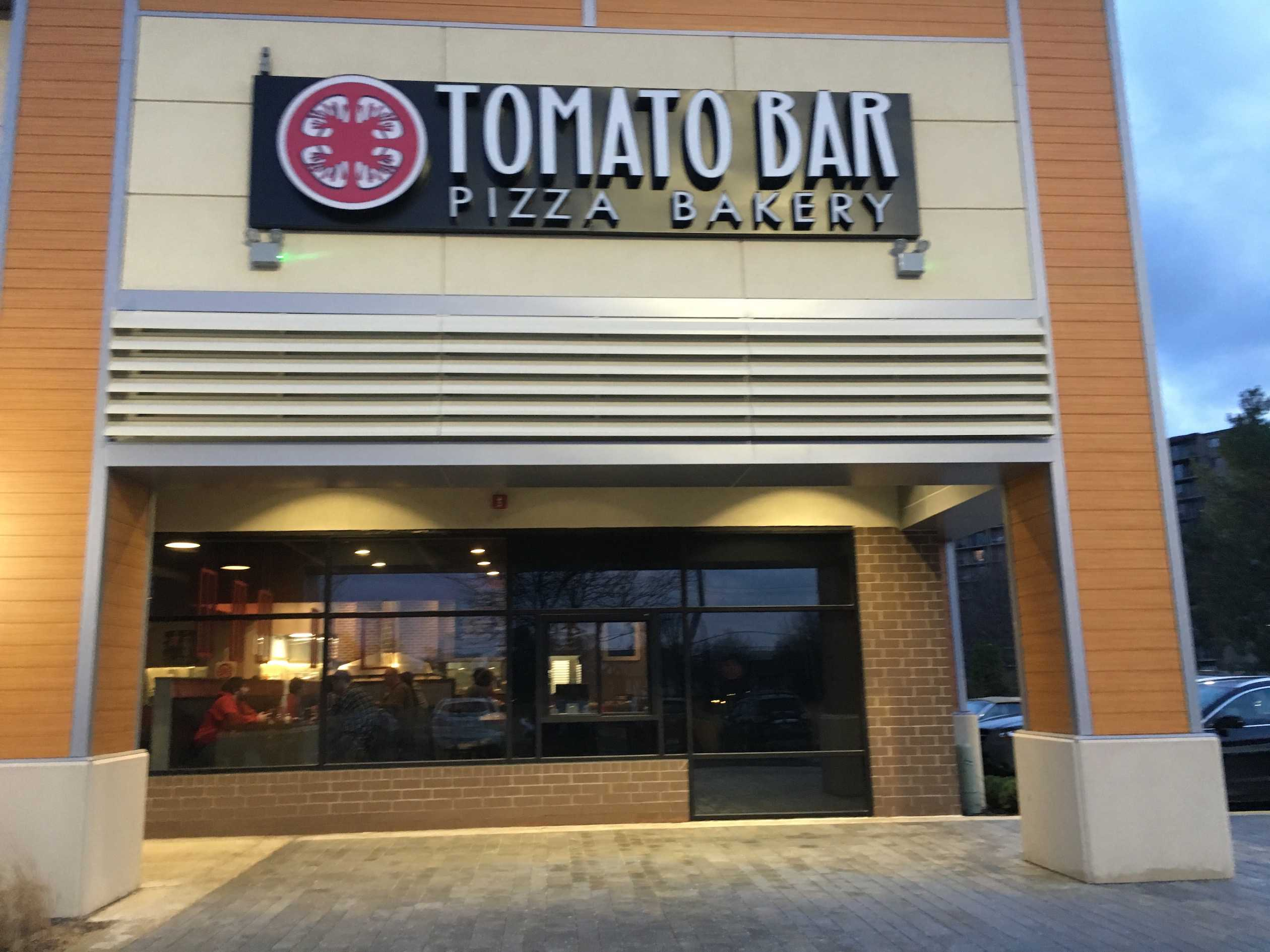 Tomato Bar, in Willowbrook, adds a fresh of breath air to the 63rd/Kingery region because of it's exquisite menu.