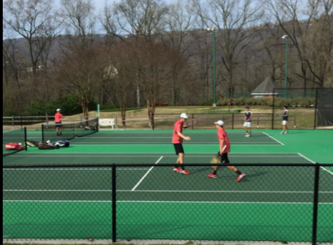Boys' tennis places third at Deerfield Invite