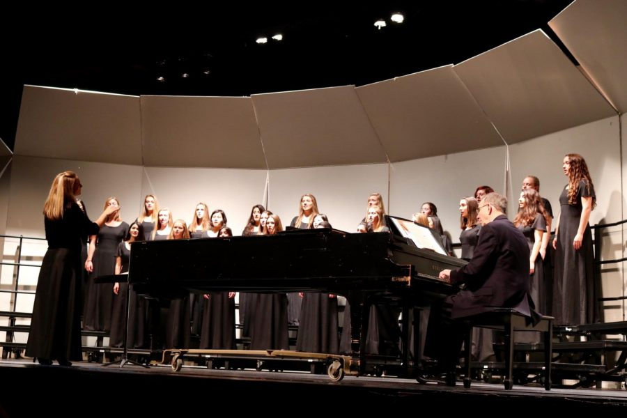 Women's Chorale performed