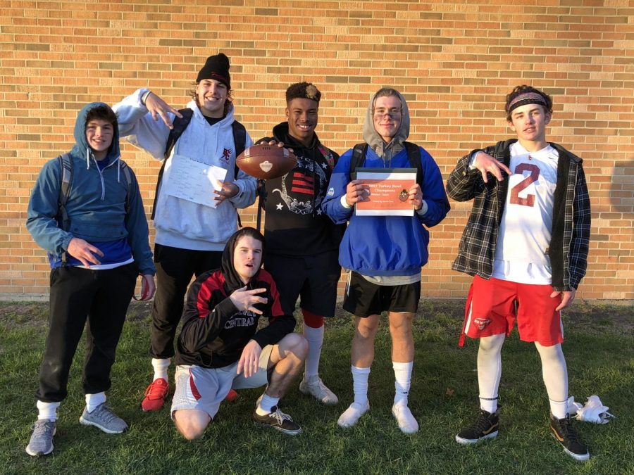 The winning team at the Turkey Bowel consisted of seniors Matt Bjorson, Garrett Oakey, Nick Biancalana, and Lonnell Smith. Junior Aidan Cruickshank and sophomore Guy Goss were also on the team.