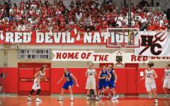 Girls basketball team prepares to take on LT