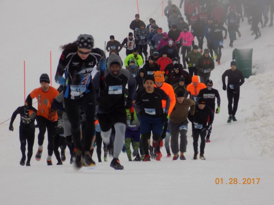 Participants+take+part+in+the+2017+Abominable+Snow+Race.+As+the+2018+race+approaches%2C+students+look+forward+to+participating.