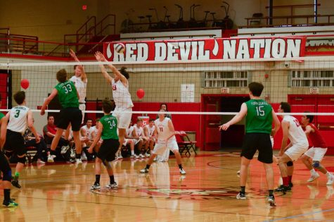 On Tuesday, May 1, boys volleyball played against York High School in the Main Gym. Central won the game as part of their winning streak.