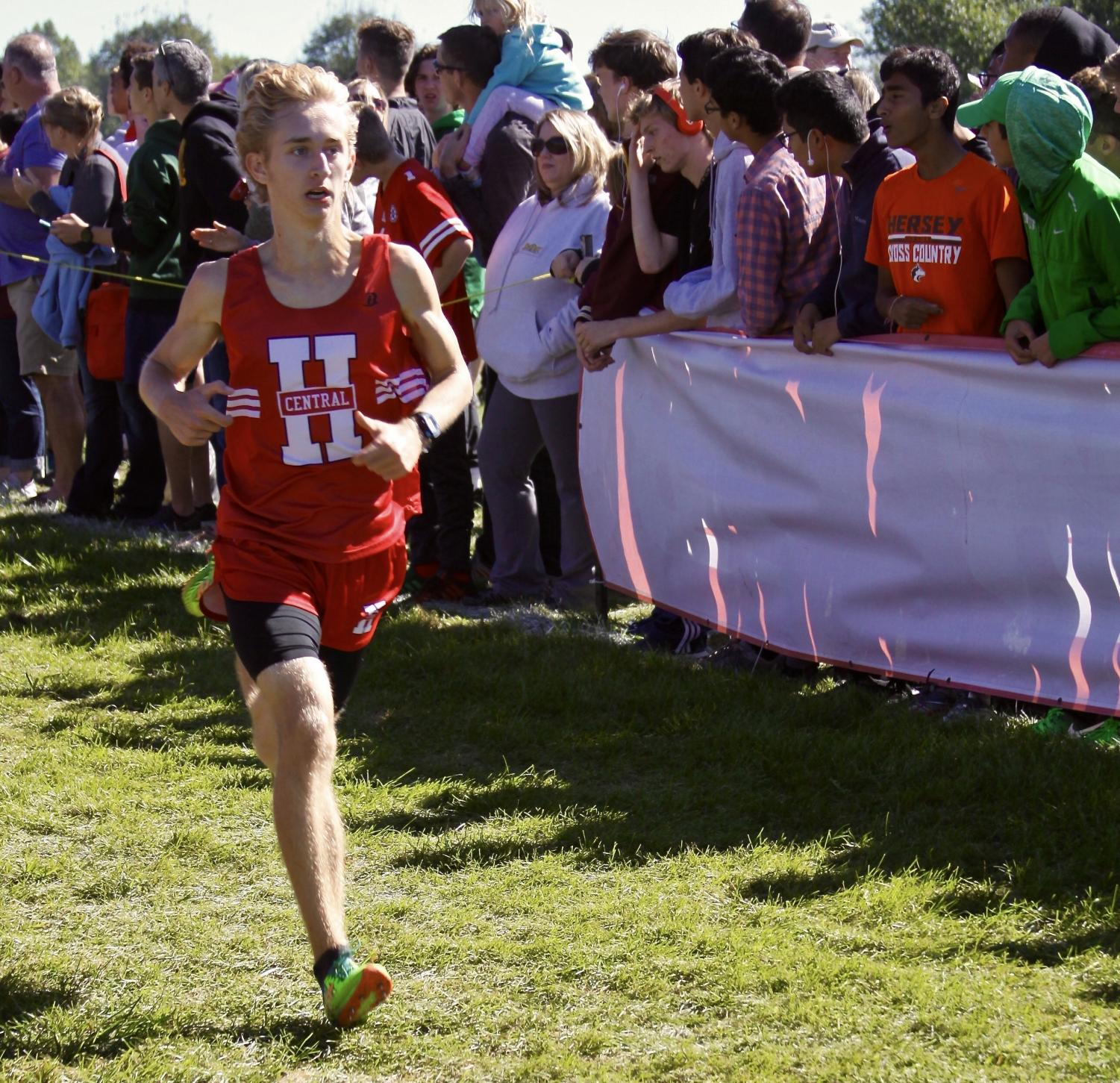 Matt Kusak races towards an 11th place finish at Palatine.