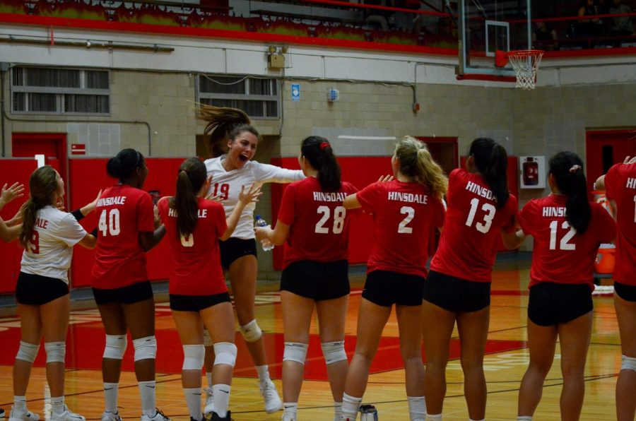 On+Tuesday%2C+Sept.+4+girls+varsity+volleyball+played+against+Waubonsie+Valley+in+the+Main+Gym.+