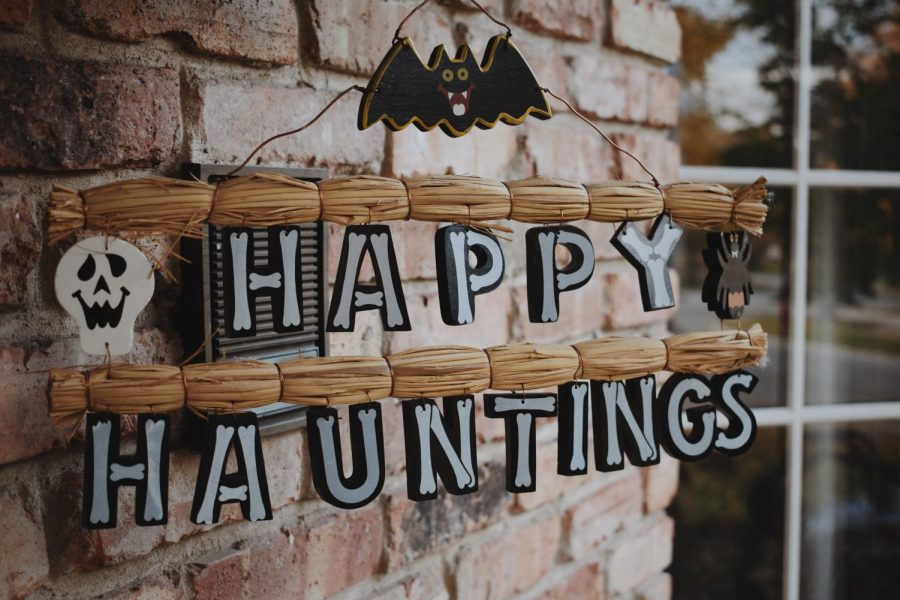 Staff+gets+in+the+Halloween+spirit+by+reminiscing+on+favorite+fall+memories.+