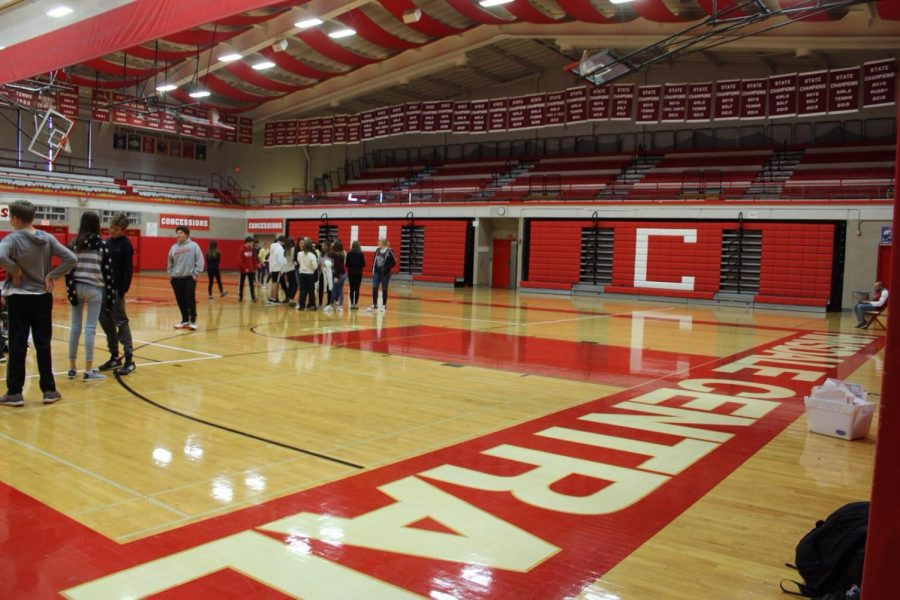 Hinsdale Police Officers came earlier this fall to discuss locker safety with the students in their gym classes.