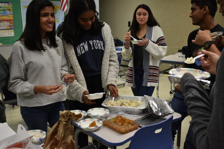 Indian+Culture+Club+hosted+a+potluck+on+Wednesday%2C+Dec.+6.+They+invited+students+to+enjoy+indian+food+and+learn+about+the+culture.+