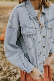 Wearing denim can put your entire outfit together by making it look more stylish.