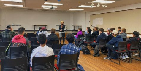 Dupage County State's Attorney speaks to constitutional law students