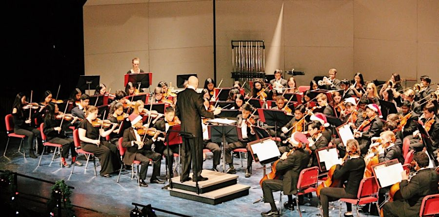 After the jazz band, the philharmonic and symphony orchestras played a variety of festive songs including
