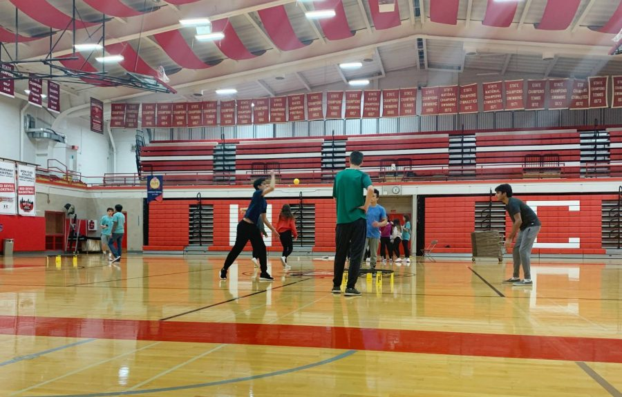 Students competed in a spike ball tournament on Dec. 8 to raise funds for Peer Leadership.