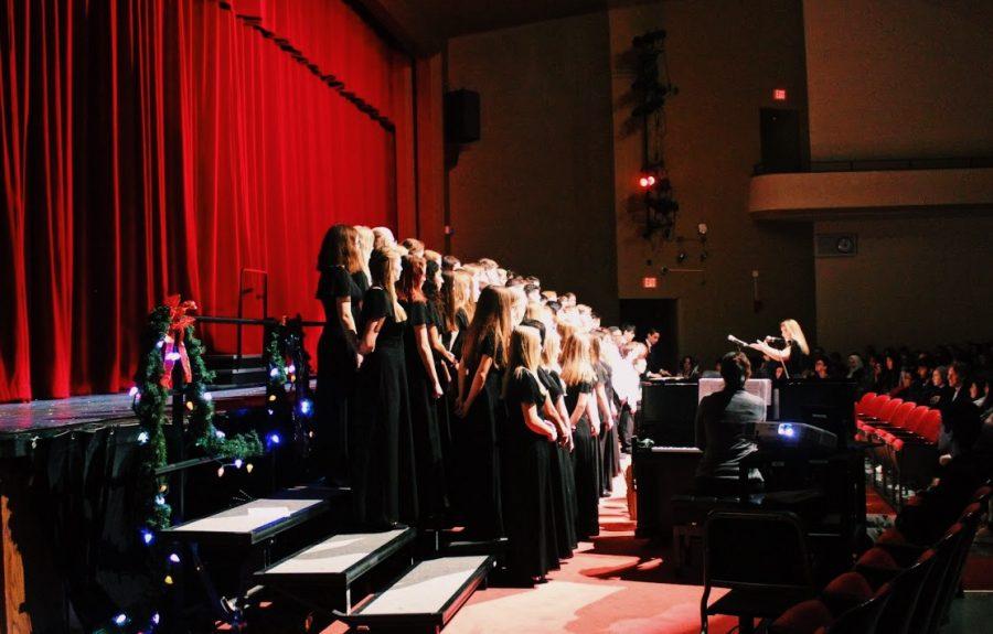 Choir director Mrs. Jennifer Burkemper led Choir I, Choir II, Choir III, and the Chamber Choir to sing a variety of Christmas tunes including