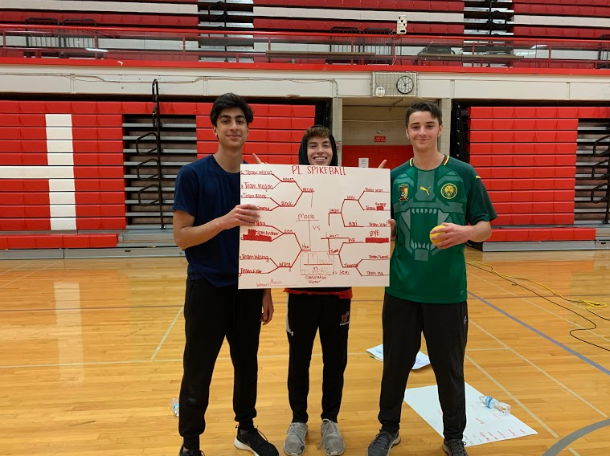 Juniors+Moosa+Ahmed+and+Luke+Berg+defeated+several+other+teams+to+win+the+Spikeball+Tournament.+