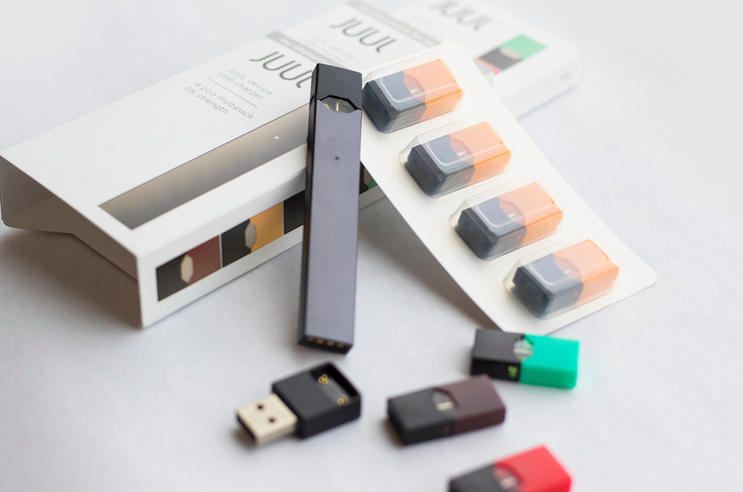 Juul+portrays+their+products+like+this%2C+selling+them+in+the+form+of+a+USB.