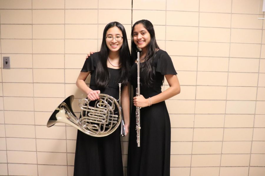 Sophomores Sophia Lee and Jui Khankari played their instruments during the  Wind Ensemble band. The different bands practiced daily in their respective classes.