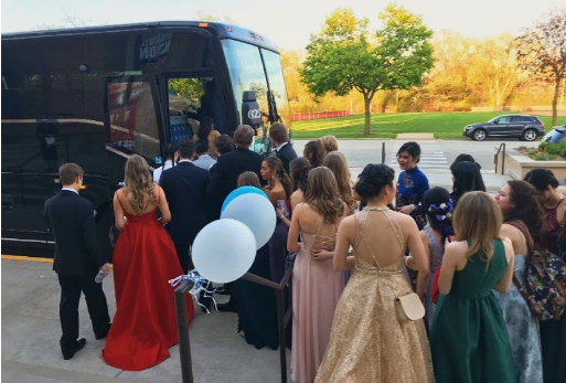 Students on their way to the Navy Pier during last year's Prom. Courtesy to Twitter.