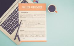Many seniors have struggled with college applications as the COVID-19 pandemic has caused them to miss out on college visits and standardized testing.