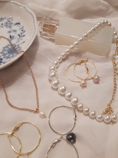 Pearl necklaces are elegant, classy, and will match anything