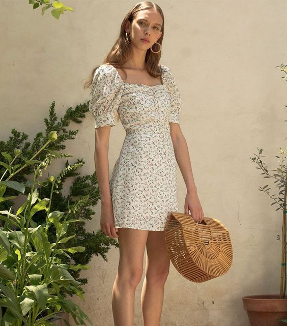 Milkmaid dresses are easy to throw on while providing elegance and class.