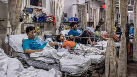In the emergency ward of a hospital in New Delhi on May 3, patients relied on oxygen as they battled COVID-19.