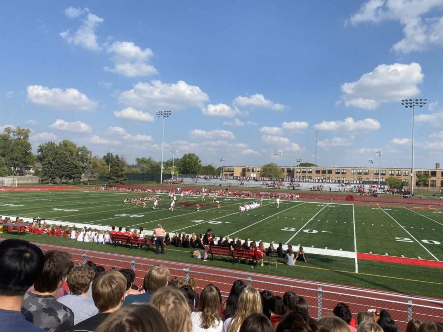 Hinsdale+Central+hosts+first+homecoming+since+2019